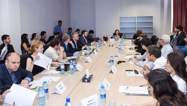 Экспертное заседание Молодежь России и Азербайджана: традиционные ценности – ориентир в будущее - Sputnik Азербайджан