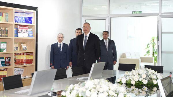 Президент Ильхам Алиев на открытии административного здания Наримановского районного суда города Баку - Sputnik Азербайджан