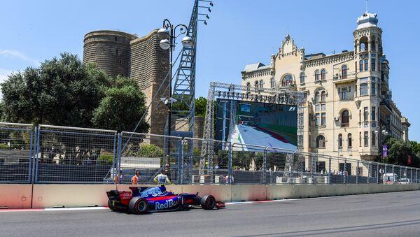 Первый день Гран-при Азербайджана Формулы-1 - Sputnik Azərbaycan