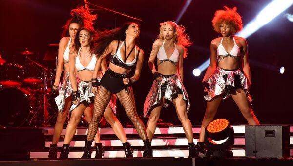 Выступление певицы Николь Шерзингер и группы The Black Eyed Peas в рамках развлекательной программы Гран-при Азербайджана Формулы 1 - Sputnik Азербайджан