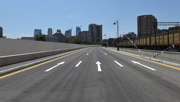 Автомобильная дорога проложенная параллельно улице Юсифа Сафарова - Sputnik Азербайджан