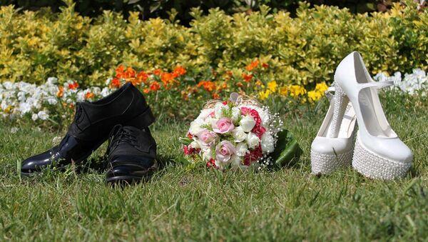 Обувь для жениха и невесты, фото из архива - Sputnik Azərbaycan
