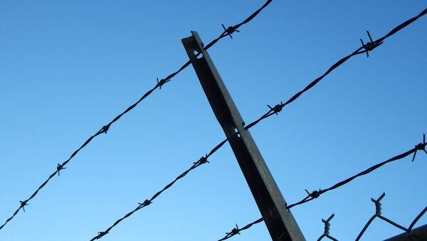 Колючая проволока, фото из архива - Sputnik Азербайджан