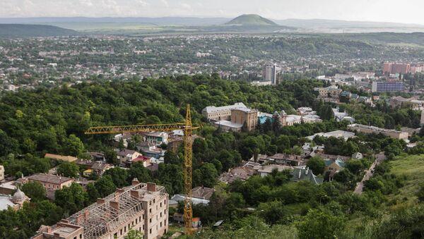 Вид на город Пятигорск со склона горы Машук - Sputnik Азербайджан