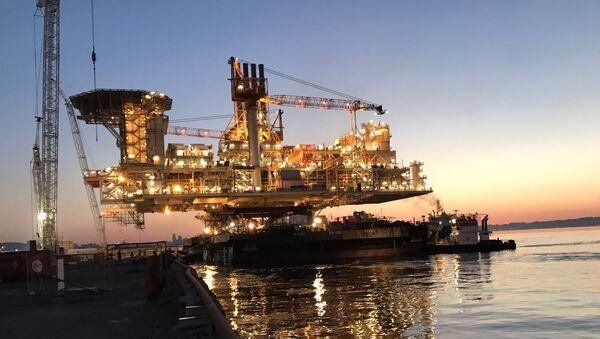Морская газодобывающая платформа, архивное фото - Sputnik Азербайджан