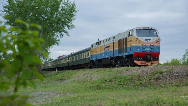 Поезд Азербайджанских железных дорог - Sputnik Azərbaycan