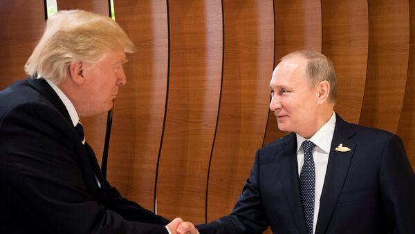 Donald Tramp və Vladimir Putin - Sputnik Azərbaycan