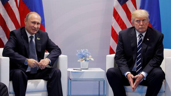Встреча Владимира Путина и Дональда Трампа в Гамбурге, Германия, 7 июля 2017 года - Sputnik Азербайджан