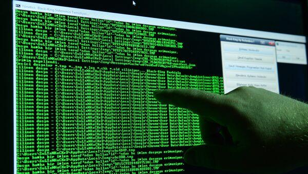 Вирус-вымогатель атаковал IT-системы компаний в разных странах - Sputnik Azərbaycan