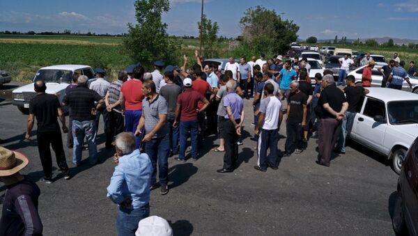 Жители армянского села в знак протеста перекрыли дорогу, фото из архива - Sputnik Азербайджан
