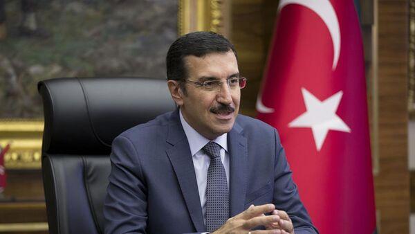 Министр таможни и торговли Турции Бюлент Туфенкджи - Sputnik Азербайджан