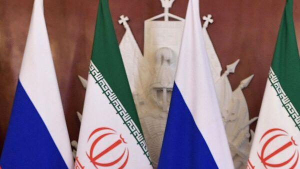 Флаги Ирана и России, фото из архива - Sputnik Азербайджан