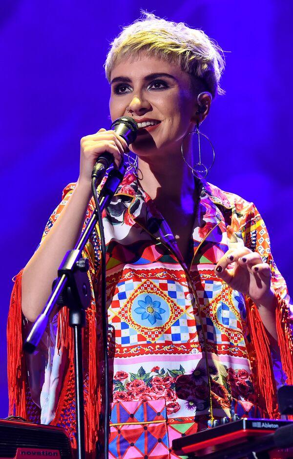 Концерт Дианы Гаджиевой и группы Dihaj в Зеленом театре - Sputnik Азербайджан