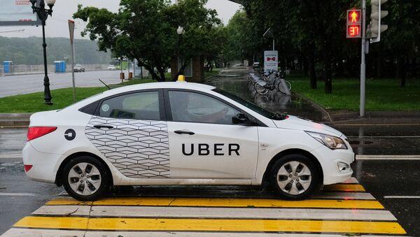 Автомобиль службы такси Uber - Sputnik Азербайджан