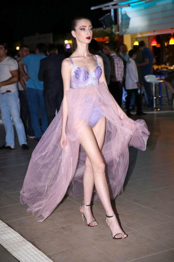 Летняя вечеринка в отеле Excelsior Hotel & Spa Baku - Sputnik Азербайджан