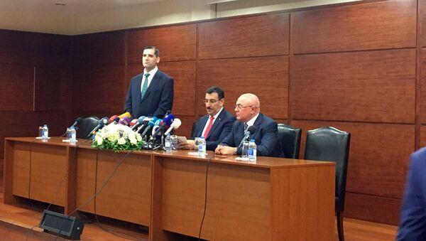 Встреча министра таможни и торговли Турции Бюлентп Тюфенкджи с турецкими предпринимателями в Баку - Sputnik Азербайджан