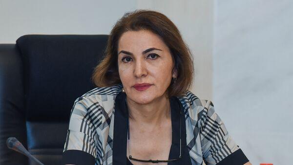 Milli Televiziya və Radio Şurasının üzvü Sona Vəliyeva - Sputnik Azərbaycan