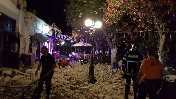 Здания, поврежденные в результате землетрясения на греческом острове Кос - Sputnik Азербайджан