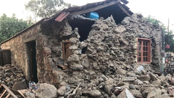 Последствия землетрясения в курортном городе Гумбет в провинции Мугла - Sputnik Азербайджан