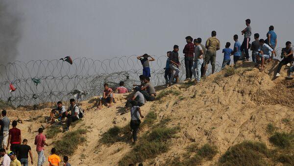 Протесты палестинцев на границе между Израилем и сектором Газа, 21 июля 2017 года - Sputnik Азербайджан
