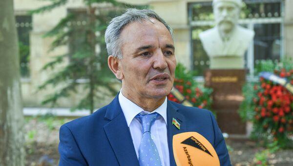 Председатель Совета печати Афлатун Амашов - Sputnik Азербайджан