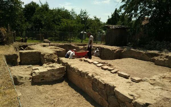 Развалины древнего албанского храма в селе Тюлю Балакенского района. - Sputnik Азербайджан