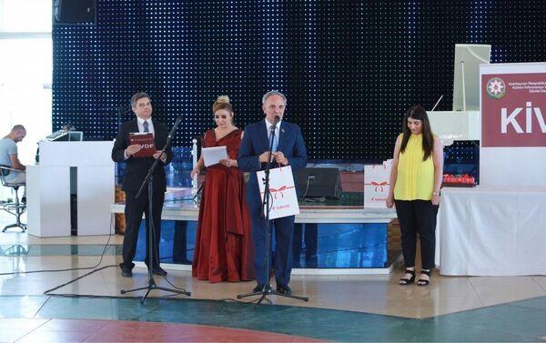 Выступление председателя Совета прессы Азербайджана Афлатуна Амашова. - Sputnik Азербайджан