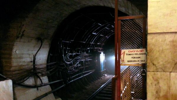 Туннель станции метро Эльмляр Академиясы - Sputnik Azərbaycan