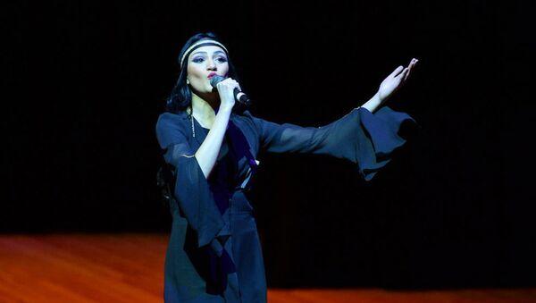 Победительница конкурса Мисс Тбилиси, грузинская модель и актриса азербайджанского происхождении Айсель Мамедова - Sputnik Азербайджан