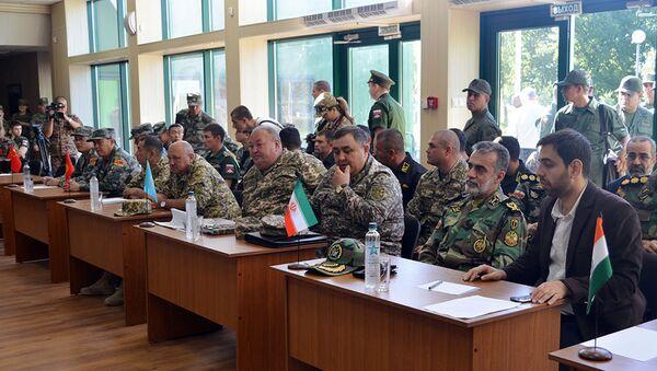 Азербайджанские танкисты приняли участие в жеребьевке конкурса Танковый биатлон - Sputnik Азербайджан
