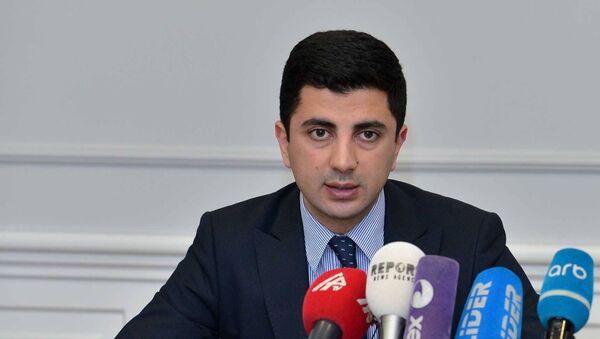 Заместитель главы отдела человеческих ресурсов министерства образования АР Эски Багиров - Sputnik Азербайджан