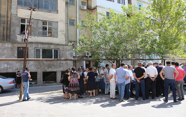 Акция протеста на улице Ахмеда Джамиля в Ясамальском районе Баку - Sputnik Азербайджан