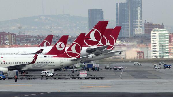 Самолеты авиакомпании Turkish Airlines в Стамбульском аэропорту имени Ататюрка - Sputnik Азербайджан
