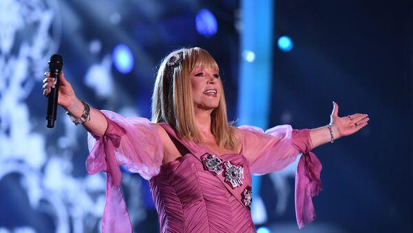 Певица Алла Пугачёва выступает на международном музыкальном фестивале ЖАРА в Баку - Sputnik Азербайджан
