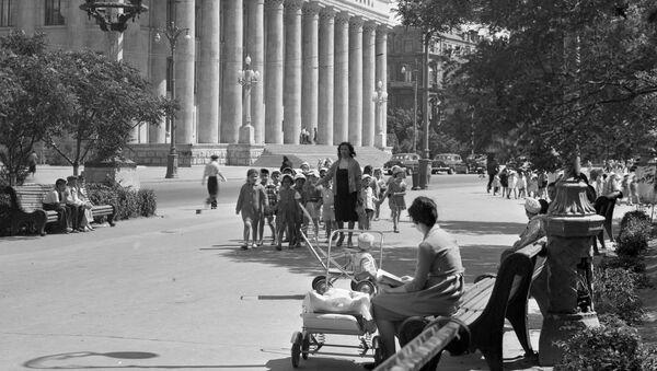 Женщины в Баку, 1965 год - Sputnik Азербайджан