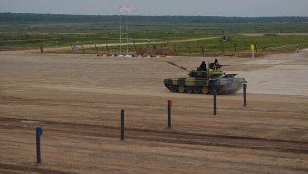 Азербайджанские танкисты приняли участие на первом этапе конкурса Танковый биатлон - Sputnik Азербайджан