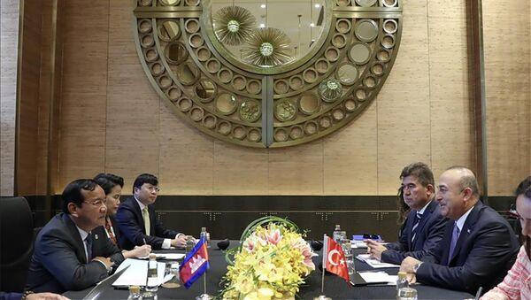 Глава МИД Турции провел ряд встреч в Маниле - Sputnik Азербайджан