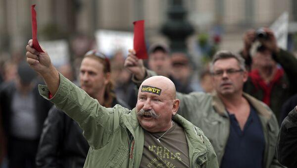 Марш партии Альтернативное будущее Германии в Берлине, фото из архива - Sputnik Азербайджан