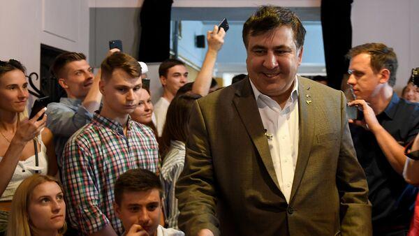 Экс-президент Грузии Михаил Саакашвили в Варшаве, 6 августа 2017 года - Sputnik Азербайджан