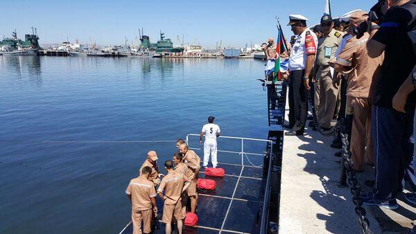 Состязание по использованию спасательных средств второго этапа конкурса Кубок моря - 2017 - Sputnik Азербайджан