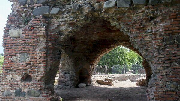 Памятник V-IX веков в селе Тюлю Балакенского района - Sputnik Азербайджан