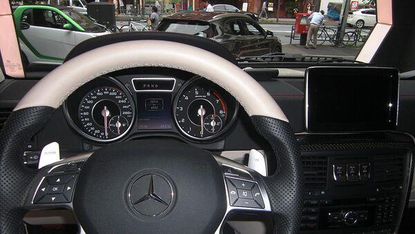 Mercedes Benz-Gelandewagen avtomobilinin interyeri - Sputnik Azərbaycan