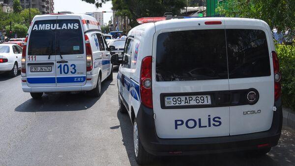 Автомобили патрульно-постовой службы и скорой помощи в Баку, фото из архива - Sputnik Азербайджан