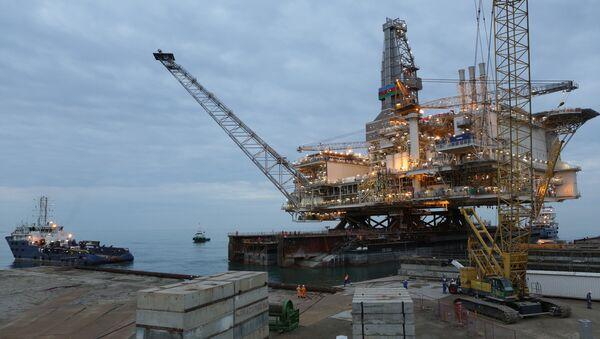 Группа шельфовых нефтегазоконденсатных месторождений АЧГ, фото из архива - Sputnik Азербайджан