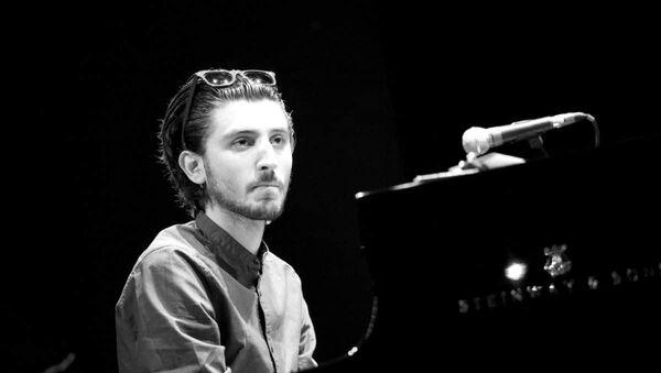 Джазовый музыкант Исфар Сарабский, фото из архива - Sputnik Азербайджан