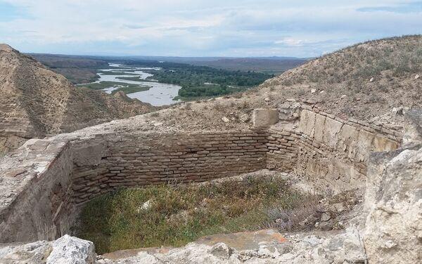 Древнее поселение Торпаггала в Товузском районе Азербайджана - Sputnik Азербайджан