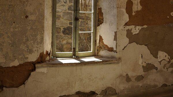 Окно в старой комнате, фото из архива - Sputnik Азербайджан
