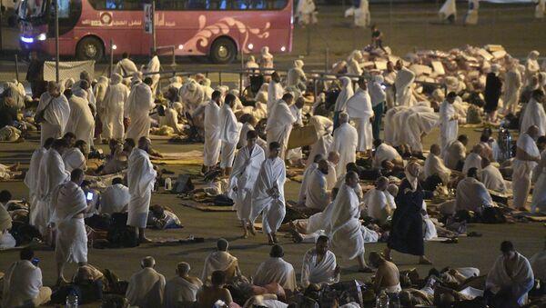 Паломники во время хаджа в Саудовской Аравии, фото из архива - Sputnik Азербайджан
