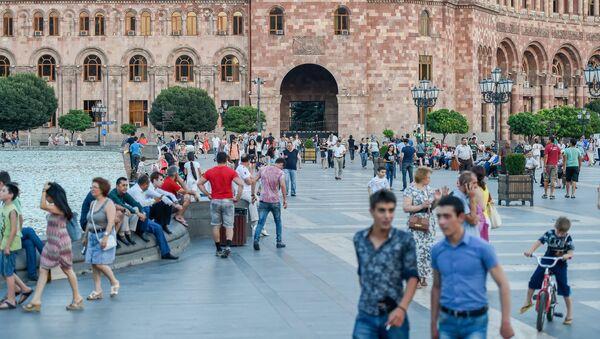 Площадь Республики в Ереване, фото из архива - Sputnik Azərbaycan