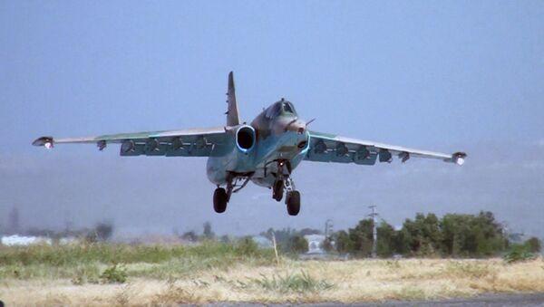 Самолеты-штурмовики Су-25 во время учений в Нахчыване - Sputnik Азербайджан